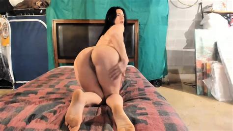 Amateur Russian Milf With A Perfect Ass Bounces On A Big