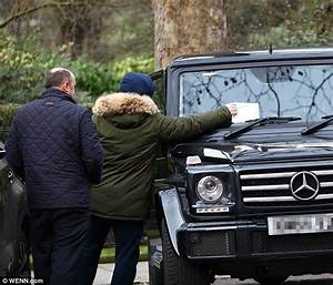Ed Auto : ed sheeran 39 uses an old parking ticket to continue shopping with girlfriend 39 daily mail online ~ Gottalentnigeria.com Avis de Voitures