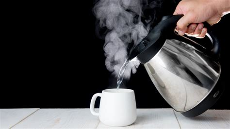 heres     drink hot water  day
