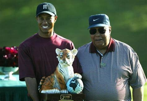 Tiger Woods' dad was reportedly buried in unmarked grave ...