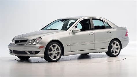 Learn more about price, engine type, mpg, and complete safety and warranty information. 2007 Mercedes-Benz C-Class