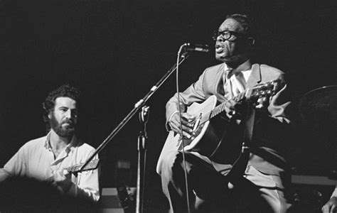 Mojo Hand The Life And Music Of Lightnin' Hopkins By