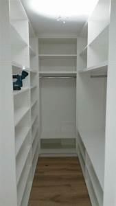 Ankleidezimmer Kleiner Raum Begehbarer Kleiderschrank Planen 50