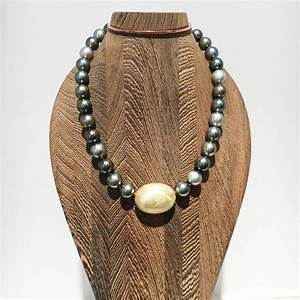 Certified Tahity Pearl Necklace with four handmade ...