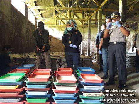 polisi gerebek pabrik nata de coco dicampur pupuk