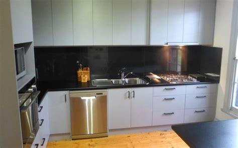 black kitchen benchtop