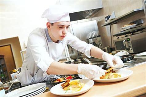 devenir commis de cuisine salaire formation fiche metier