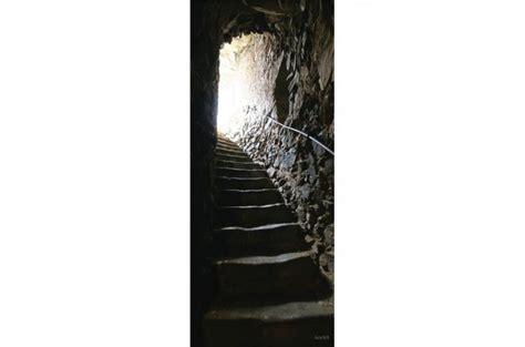 d 233 co de portes et murs en velours escalier de catacombes