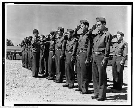 incredible images show japanese american camps  ww