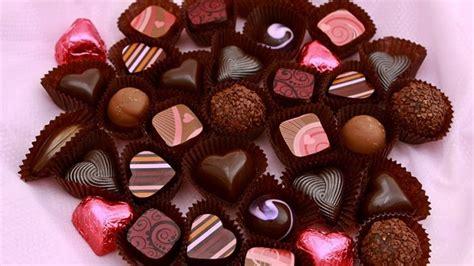 promo alfamidi sambut hari valentine  coklat murah