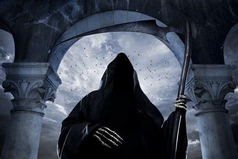 grim reaper scary creepy horror scythe skeleton makeup