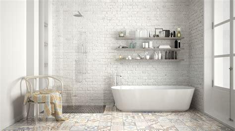 trasformare doccia in vasca da bagno come trasformare una vasca in doccia tutte le fasi e i