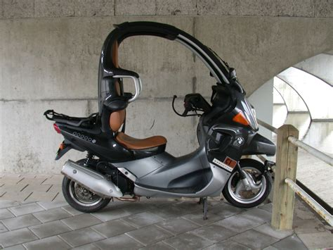 Sidam's Tilting Xnovo Three-wheeler
