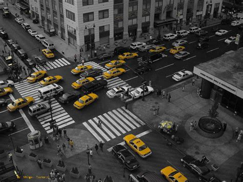50 Wonderful Black And White Photos With Partial Color Effects
