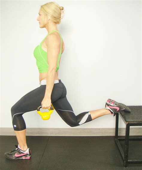 dip leg exercise squat kettlebell hip standing step opposite front away reps feet switch then jennfit