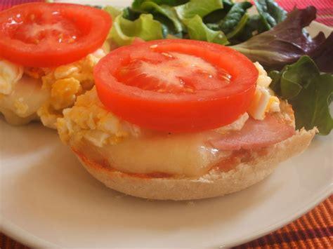 cuisine aoste oeufs brouillés au jambon aoste aries cuisine