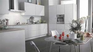 Cuisine noir blanc gris for Deco cuisine avec chaise de cuisine noir