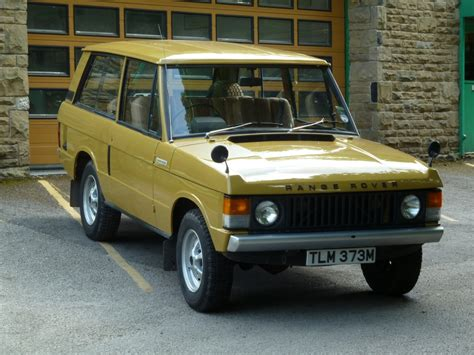 land rover classic for tlm 373m 1973 range rover 2 door classic bahama gold