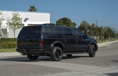 Excursion Limo by Ford Excursion Limo Executive Transport For The Common