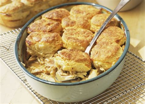 chicken and biscuit recipe fast and easy chicken and biscuit casserole recipe