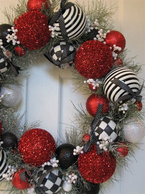 stylish black white christmas decor inspirations