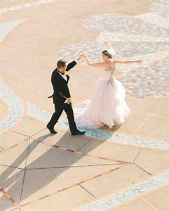 your ultimate guide to throwing a destination wedding all With where to take wedding photos