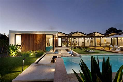 Modern Rejuvenation Of A Classic California Home Henbest