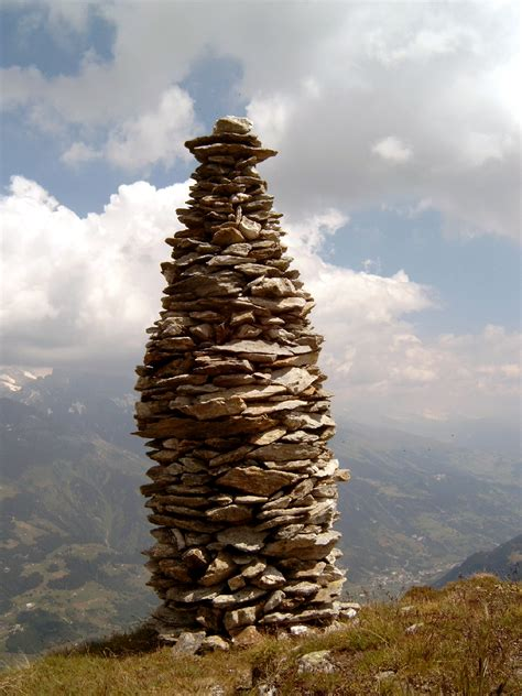 what is a rock cairn cairn wikipedia