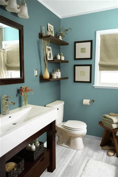 Small Guest Bathroom Ideas by 25 Best Ideas About Small Guest Bathrooms On
