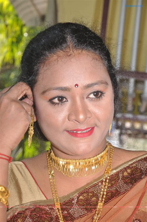 shakeela actress  stills images pictures  hot