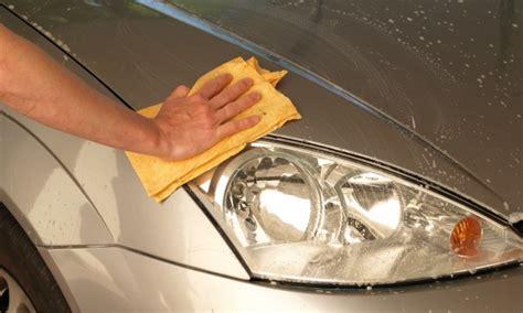 nettoyer si鑒es voiture 4 trucs pour nettoyer votre voiture de façon écologique et pratique trucs pratiques