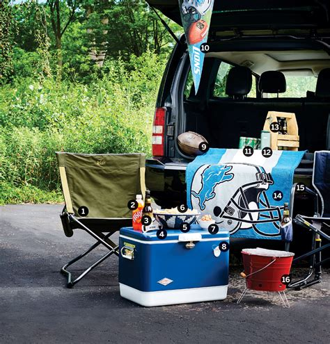16 essentials for your next detroit lions tailgate