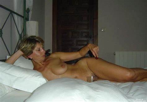 Alluring Cougar Housewife Reveal On Web