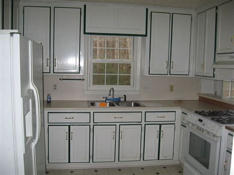 Paint Ideas With Cabinets by Painting Kitchen Cabinets White Color With Black Border