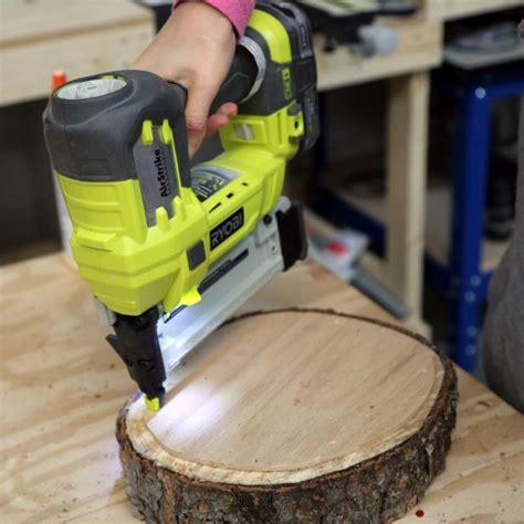 diy fabriquer un tabouret avec un tronc d arbre bricobistro
