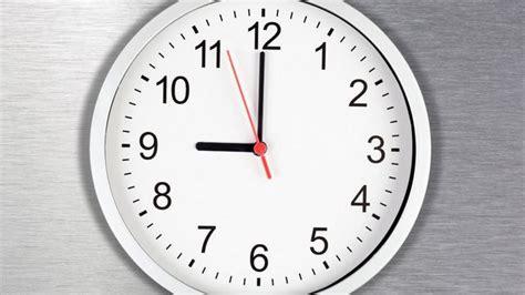 British Schools Are Removing Analog Clocks Because Teens
