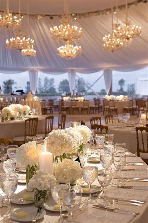 bouquet de fleurs blanches pour  centre de table
