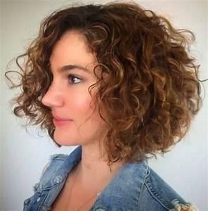 Carré Court Frisé : coiffure carr plongeant boucl ~ Melissatoandfro.com Idées de Décoration
