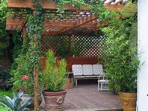 12 Budget-Friendly Backyards DIY