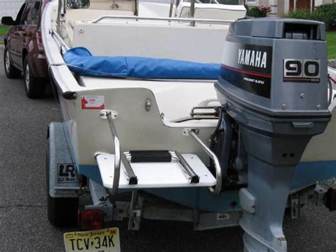 Boston Whaler Boat Ladder by Whalercentral Boston Whaler Boat Information And Photos