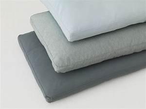 Coussin Design Pour Canape : coussin rectangulaire en tissu pour canap pill by zeitraum ~ Teatrodelosmanantiales.com Idées de Décoration