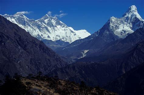 Nepal Mount Everest And Ama Dablam.jpg