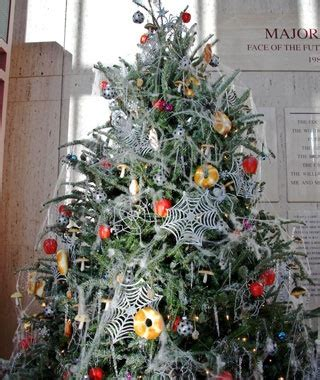 spider web christmas tradition spider webs ukraine world s strangest traditions travel leisure