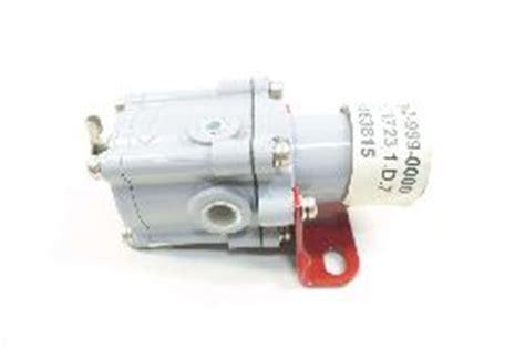 dresser masoneilan pressure regulator masoneilan dresser 78 40 5 100psi 210psi 1 4in npt