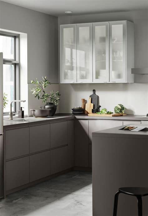 Ikea makes getting a sleek european kitchen affordable. Kjøkken - VOXTORP i 2020 | Kyllingdesign, Kjøkkendesign ...