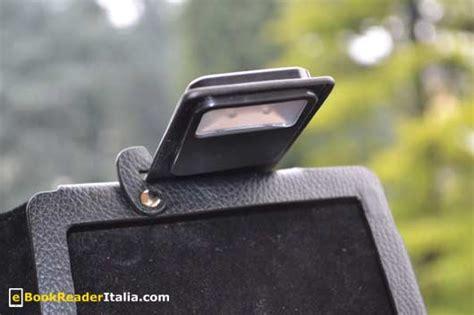 kobo touch illuminazione recensione delle custodie slimfit e luxe con luci per