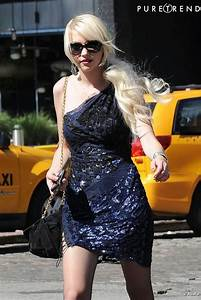 robe de grand couturier sac de luxe et lunettes chanel With robe de couturier