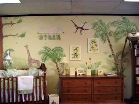 arredare camera bambino  idee  tema foresta