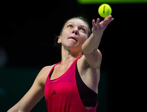Simona Halep Breaks Through in French Open, Winning Her First Major TitleSimona Halep Breaks Through in French Open, Winning Her First Major Title