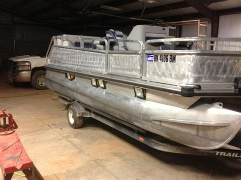 Bowfishing Boat Pontoon by 17 Best Images About Bowfishing Plans On Posts